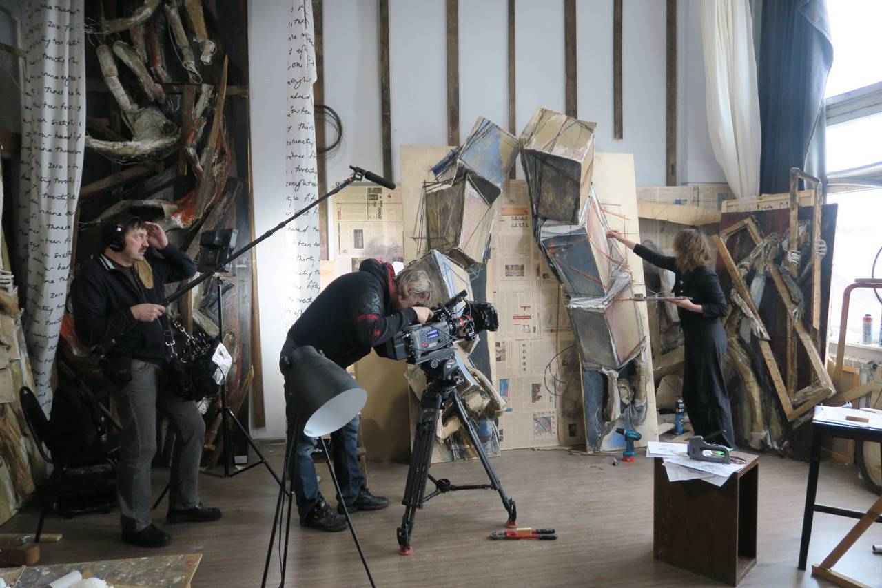 REVOLUTION Filming Maria Kulagina at work in her studio. Photo © www.foxtrotfilms
